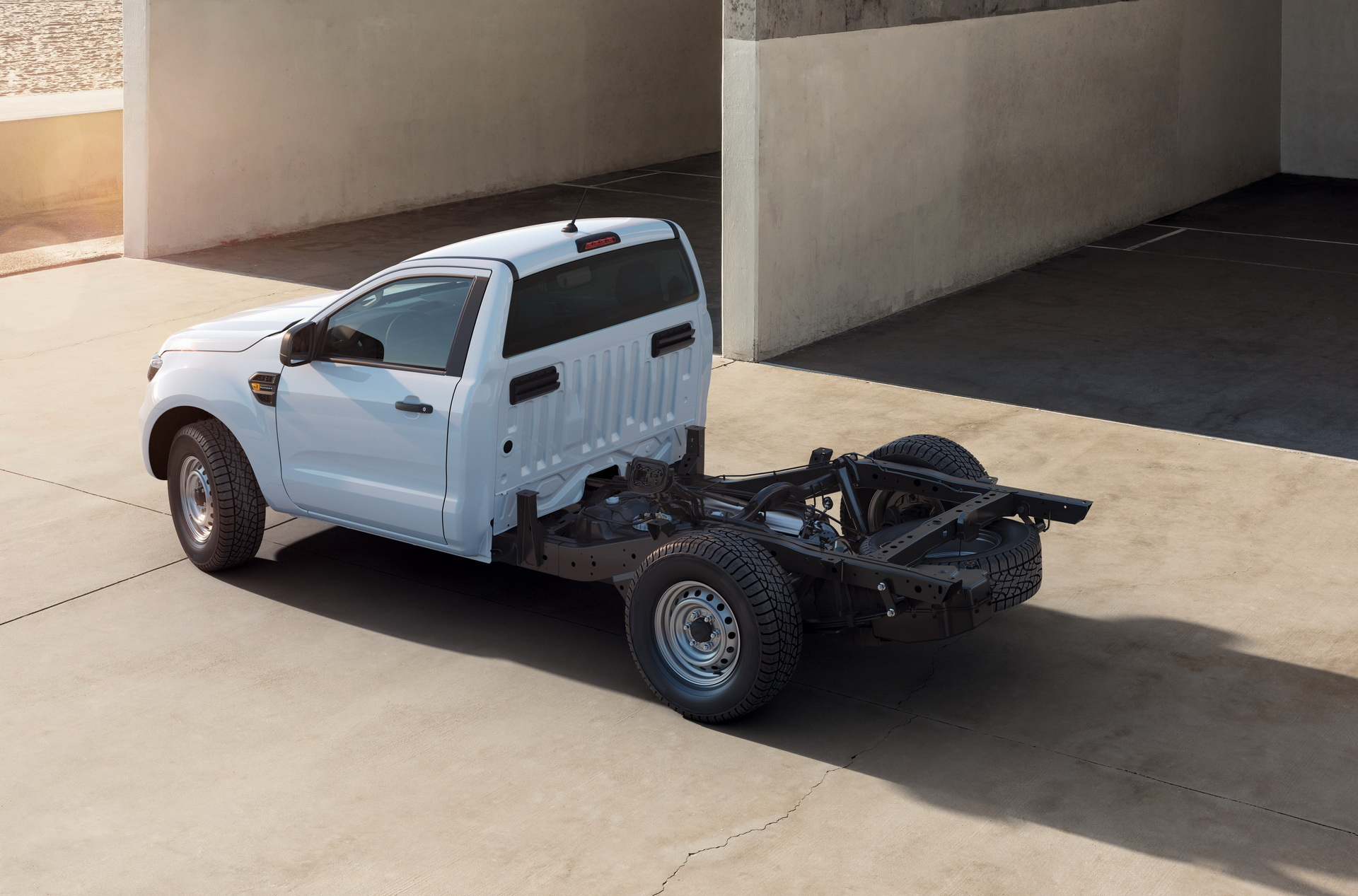 Ford-Ranger-Chassis-Cab-01