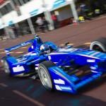Andrettiékkel fejleszt elektromos versenyautót a BMW