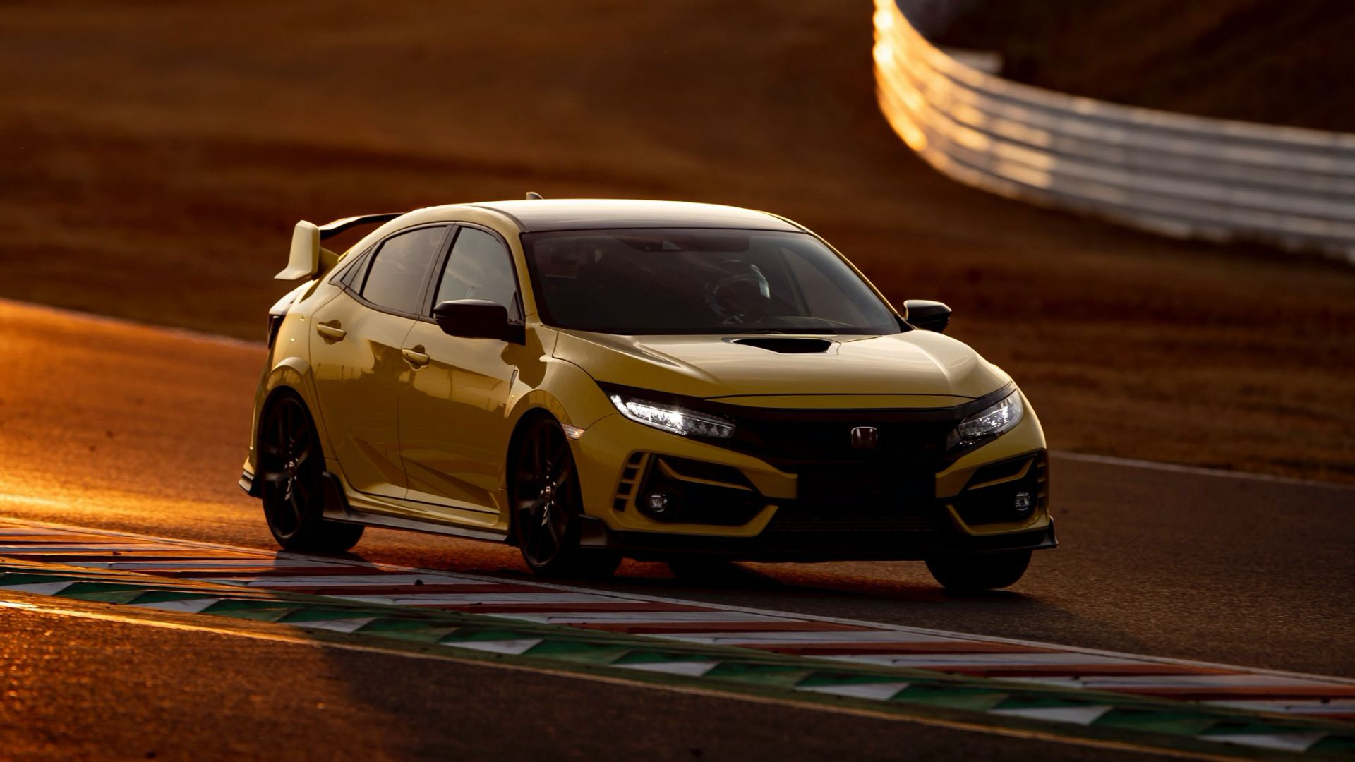 Honda-Civic-Type-R-Limited-Edition-sets-new-Suzuka-lap-record-1