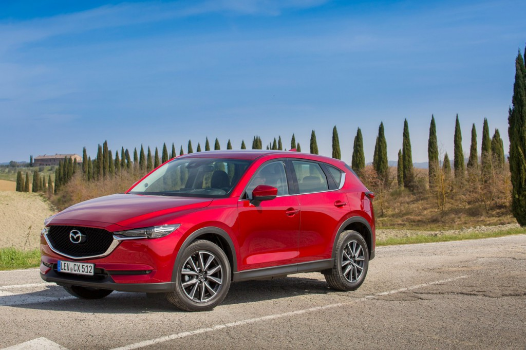 Teszt: Mazda CX-5: belépő a prémium kategóriába
