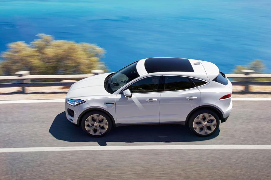 Autóbemutató: megérkezett a Jaguar E-Pace