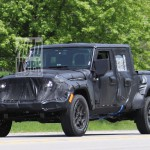 Platós is lesz az új Jeep Wranglerből