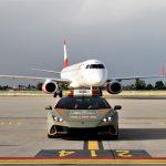 Továbbra is egy Lamborghini kísérgeti majd a repülőket a bolognai repülőtéren
