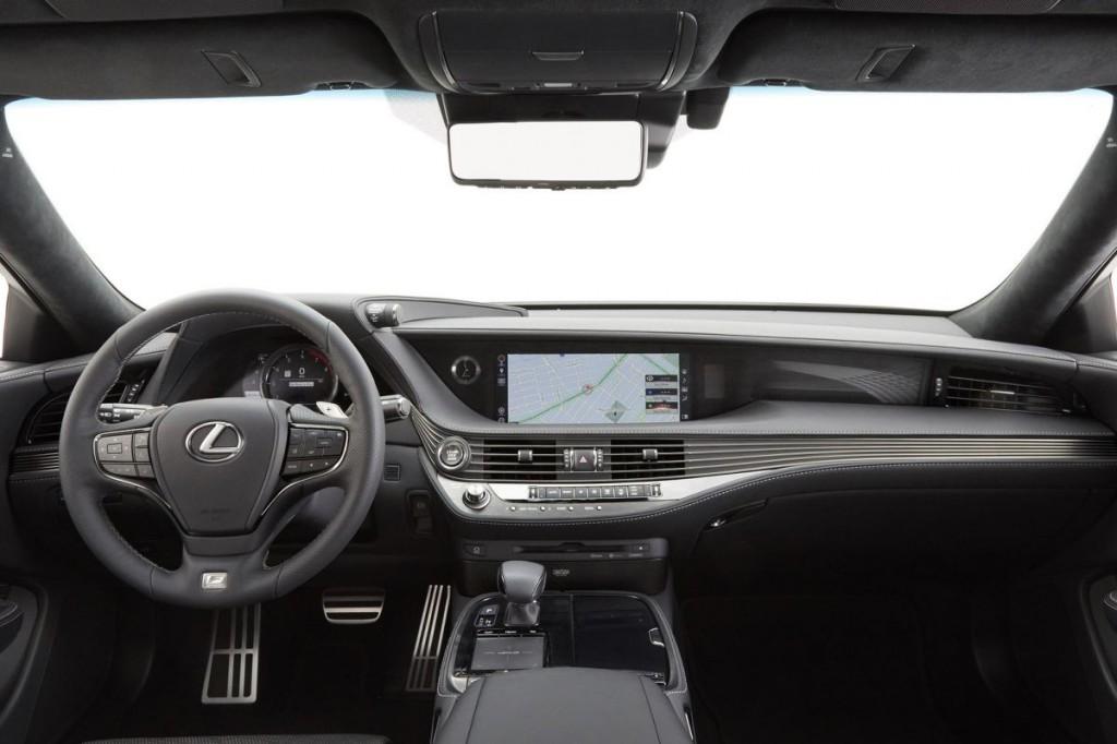 LexusLS-FSport2017-5