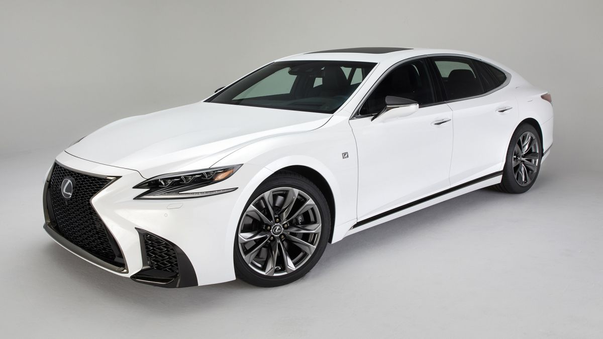LexusLS-FSport2017-6