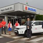 Tovább adakozik a Suzuki, most az esztergomi Vöröskereszt kapott egy új Vitarát
