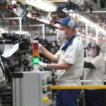 Ismét leállnak a magyar autógyárak