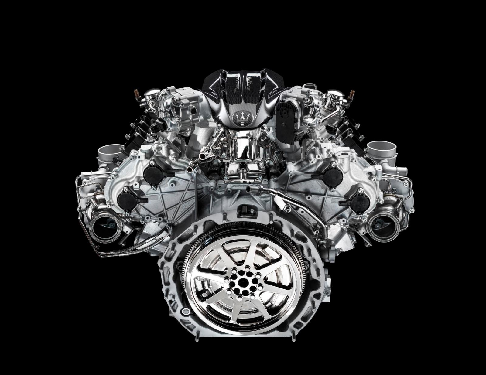 Maserati-Engine-2