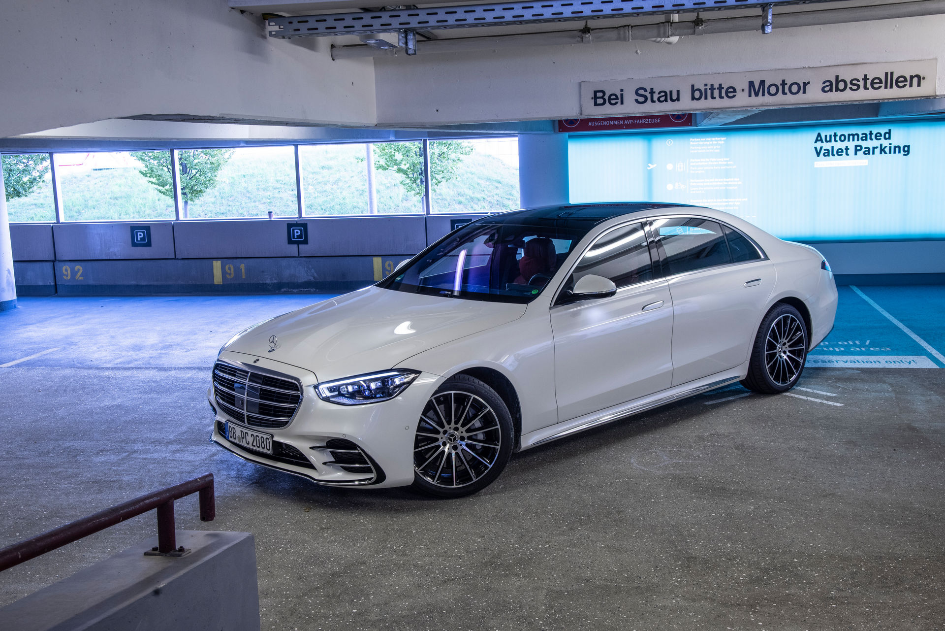 Mercedes-Automated-Parking-16