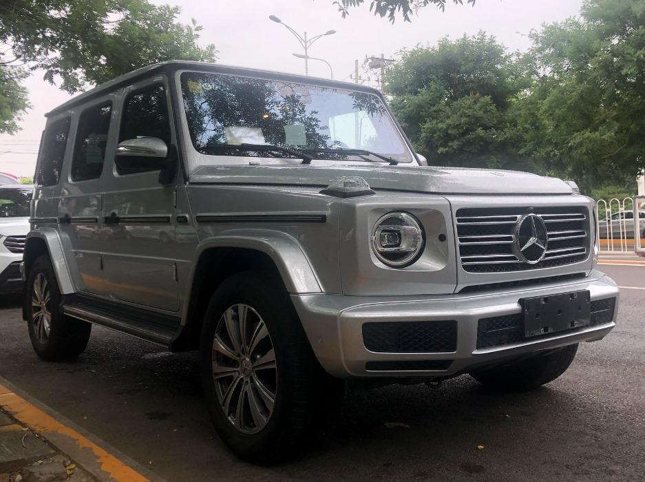 Mercedes-G350-1
