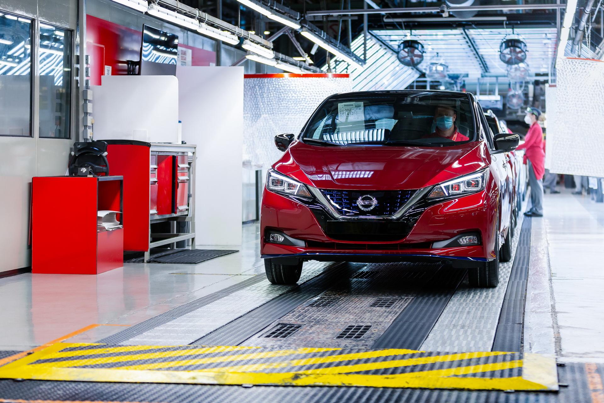 Félmillió Leaf-nél tart a Nissan
