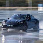 Új rekordot állított fel a Porsche, a Taycan a világ leghosszabban driftelő elektromos autója