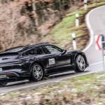 Premier előtt jöttek új képek és információk a Porsche Taycan Cross Turismo-ról