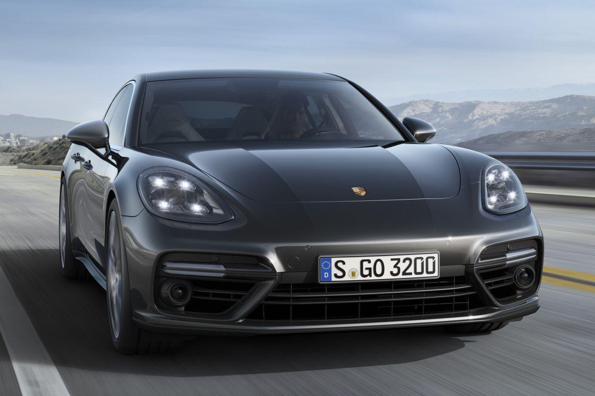 PorschePanamera2016-25