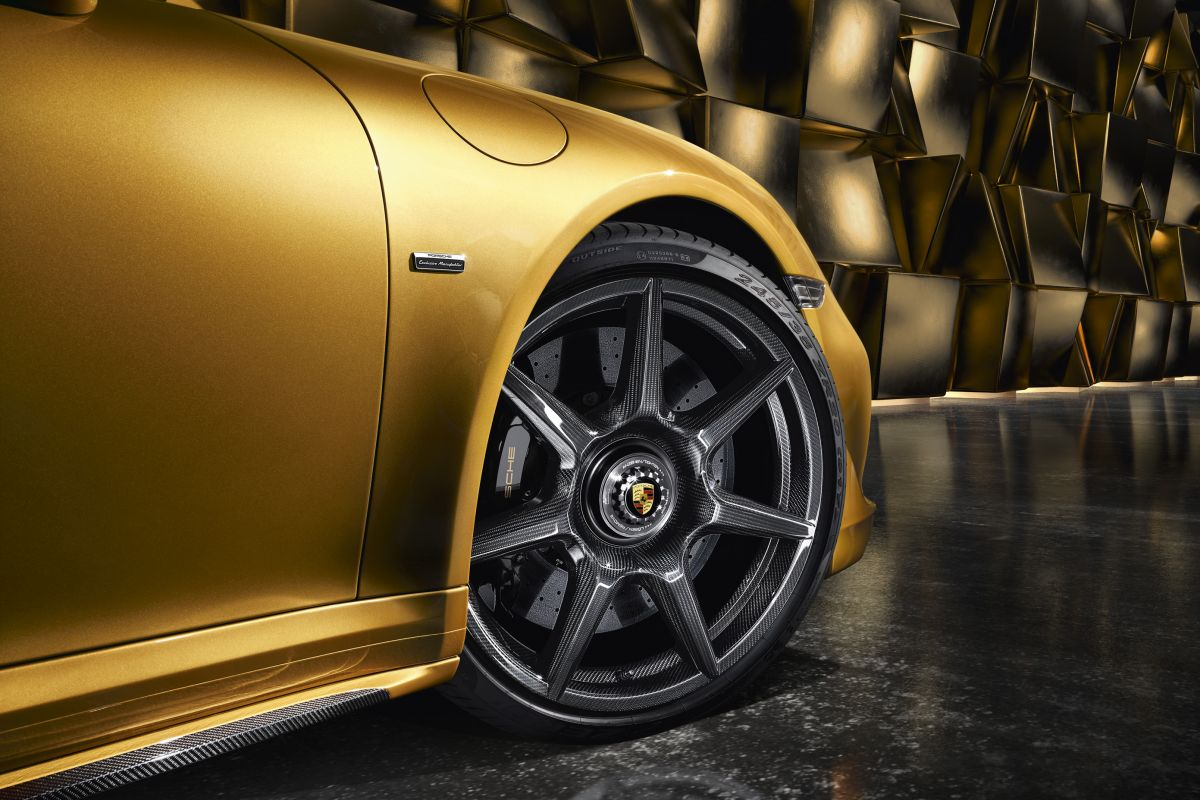Porsche_911-turbo-s-exclusive-wheel-1