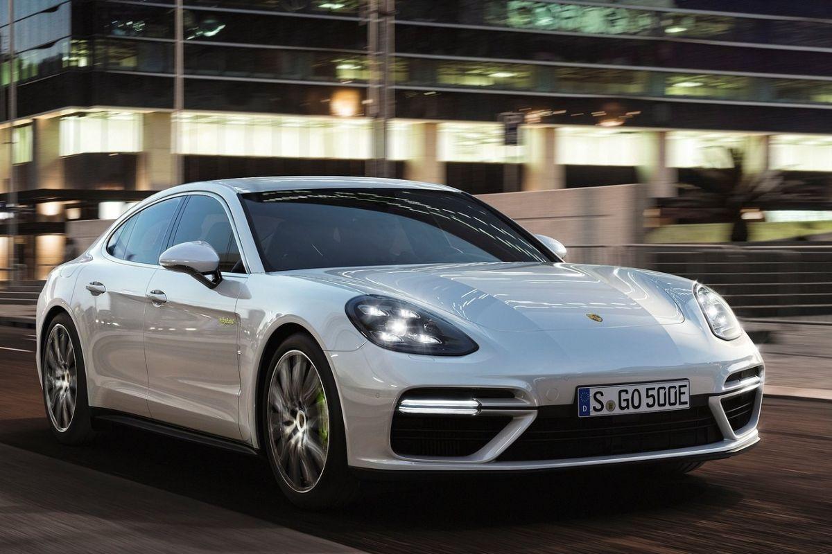 Porschepanameraturbos-e-hybrid3
