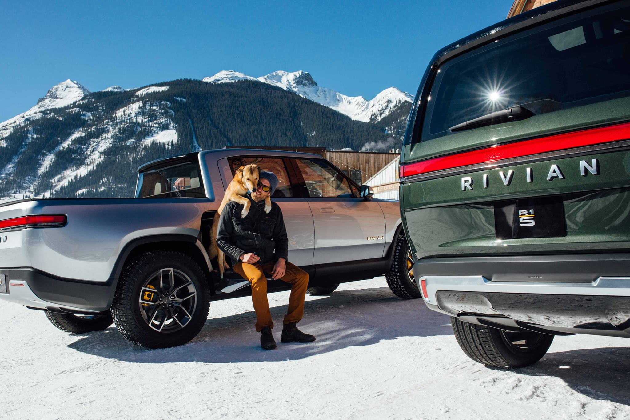 Rivian-EV-in-the-snow-wide