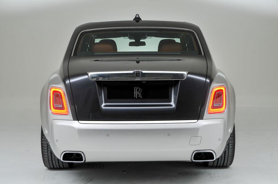 Itt az új Rolls-Royce Phantom!