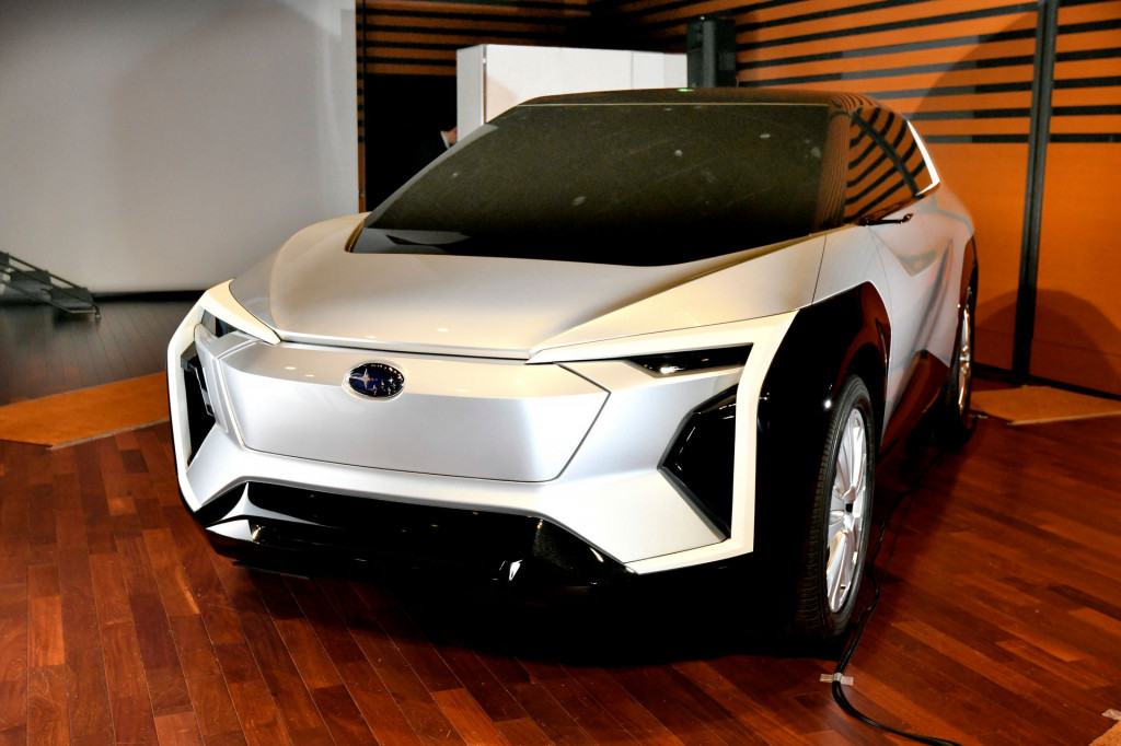 Európában is kapható lesz a Subaru elektromos crossovere