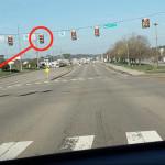 Tesla-Autopilot-stop-light-e1553749405626