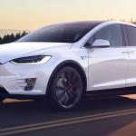 Tesla: túl drágák az autóink