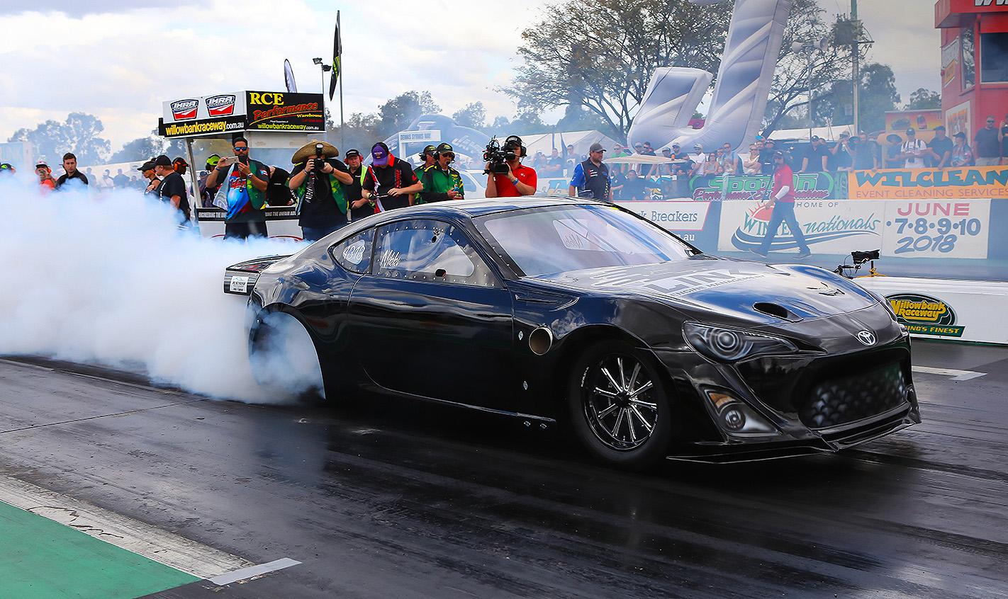Toyota-86-drag-car-burnout
