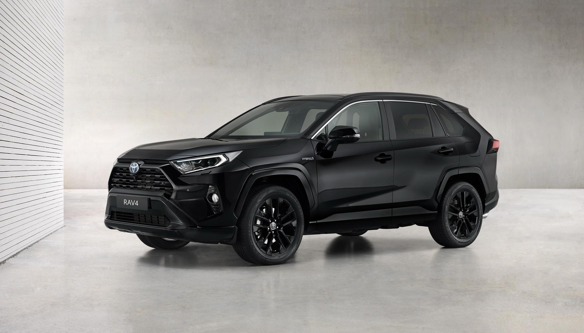 Toyota-RAV4-Hybrid-Black-Edition-01