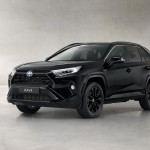 Toyota-RAV4-Hybrid-Black-Edition-02