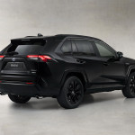 Toyota-RAV4-Hybrid-Black-Edition-06