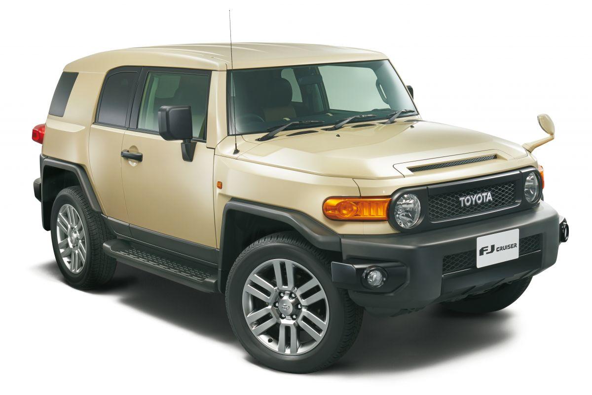 ToyotaFJCruiser2017-1