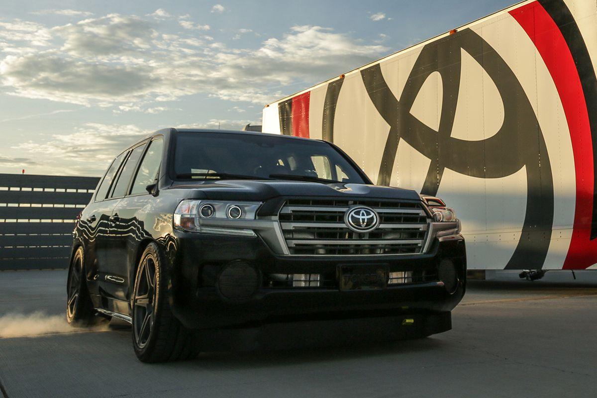 Toyota_Land_Cruiser_Fastest_SUV_2017_1