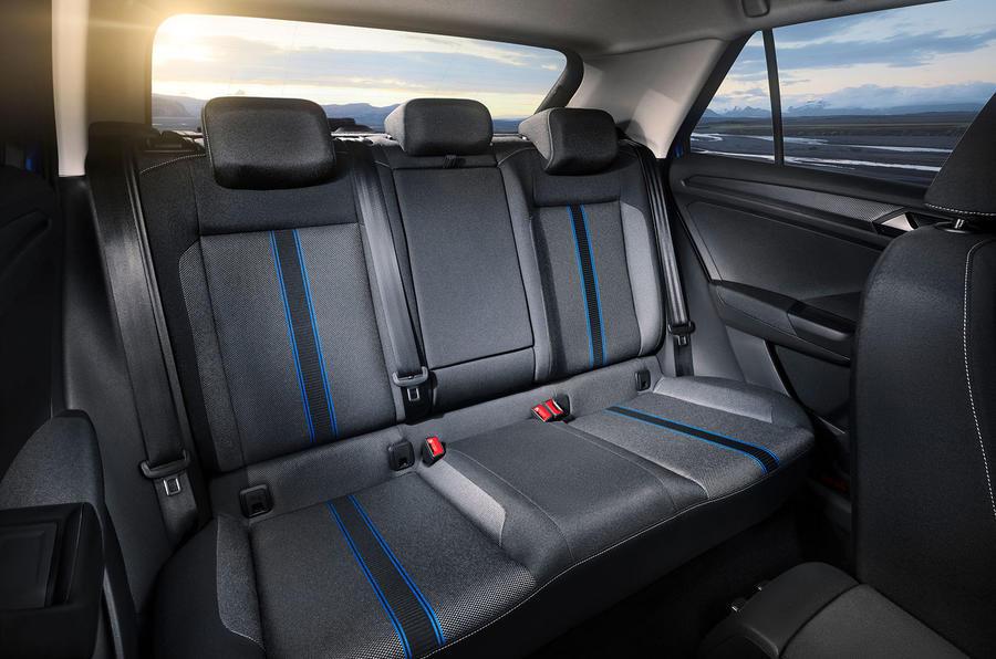 VW T-Roc2018-15