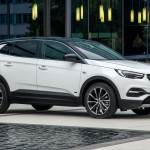 Vauxhall-Grandland-X-PHEV-front-wheel-drive-1