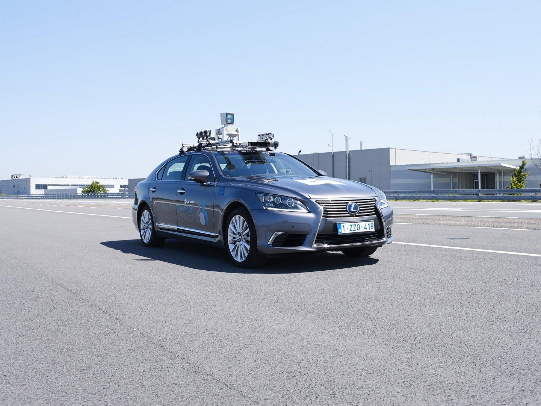 a5706d3e-lexus-ls-autonomous-car-toyota-europe-1