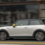 ad70156b-2020-mini-cooper-se-launched-5