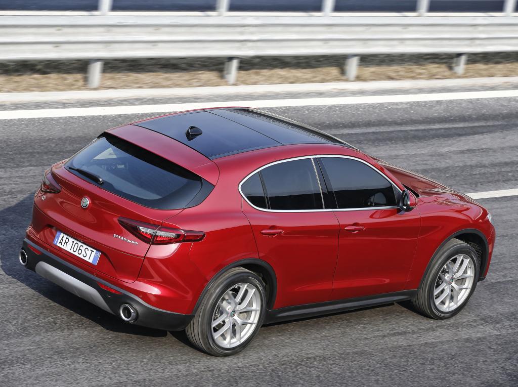 Autóbemutató: Alfa Romeo Stelvio teszt