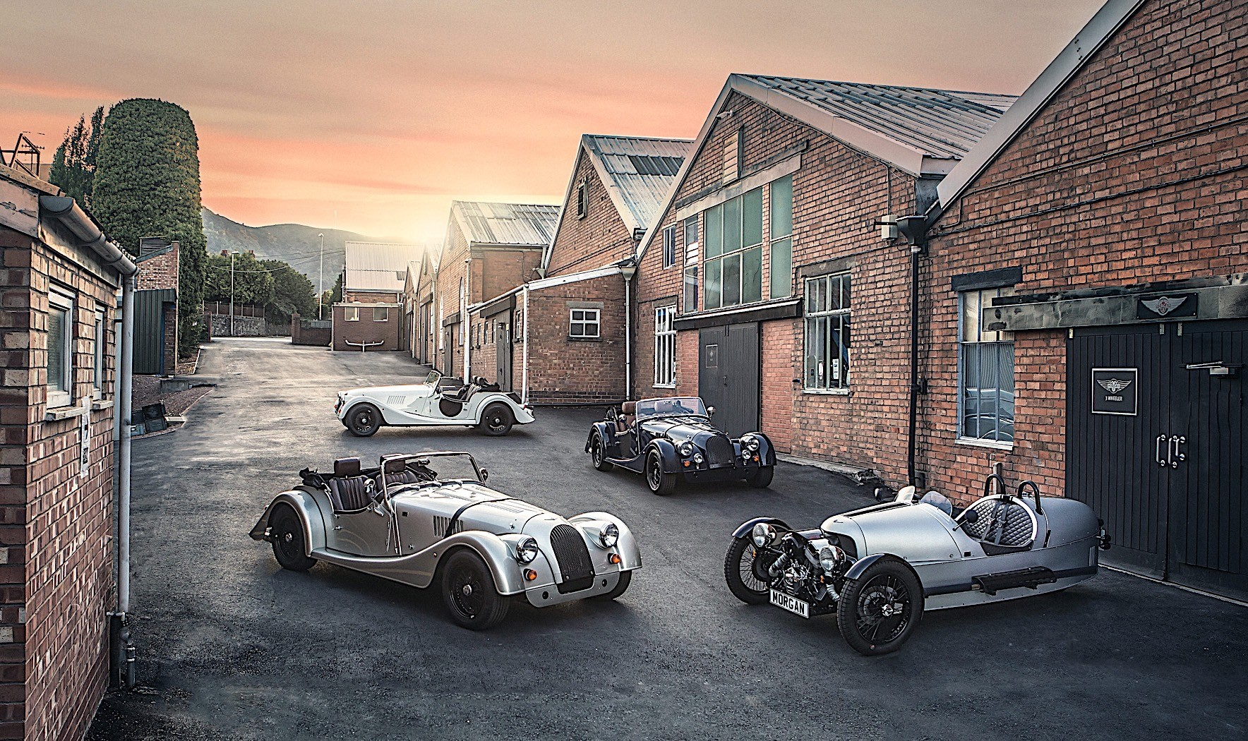 anniversary-morgan-cars-bring-back-the-prestige-of-old-for-free_5