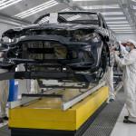 Beindult az Aston Martin DBX gyártása