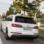 audi-electrifies-q7-with-two-phev-models-the-55-tfsie-and-60-tfsie_4