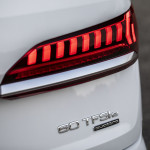 audi-electrifies-q7-with-two-phev-models-the-55-tfsie-and-60-tfsie_8