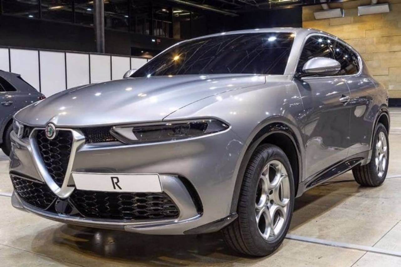b09235b0-2020-alfa-romeo-tonale-leaked-photos-3