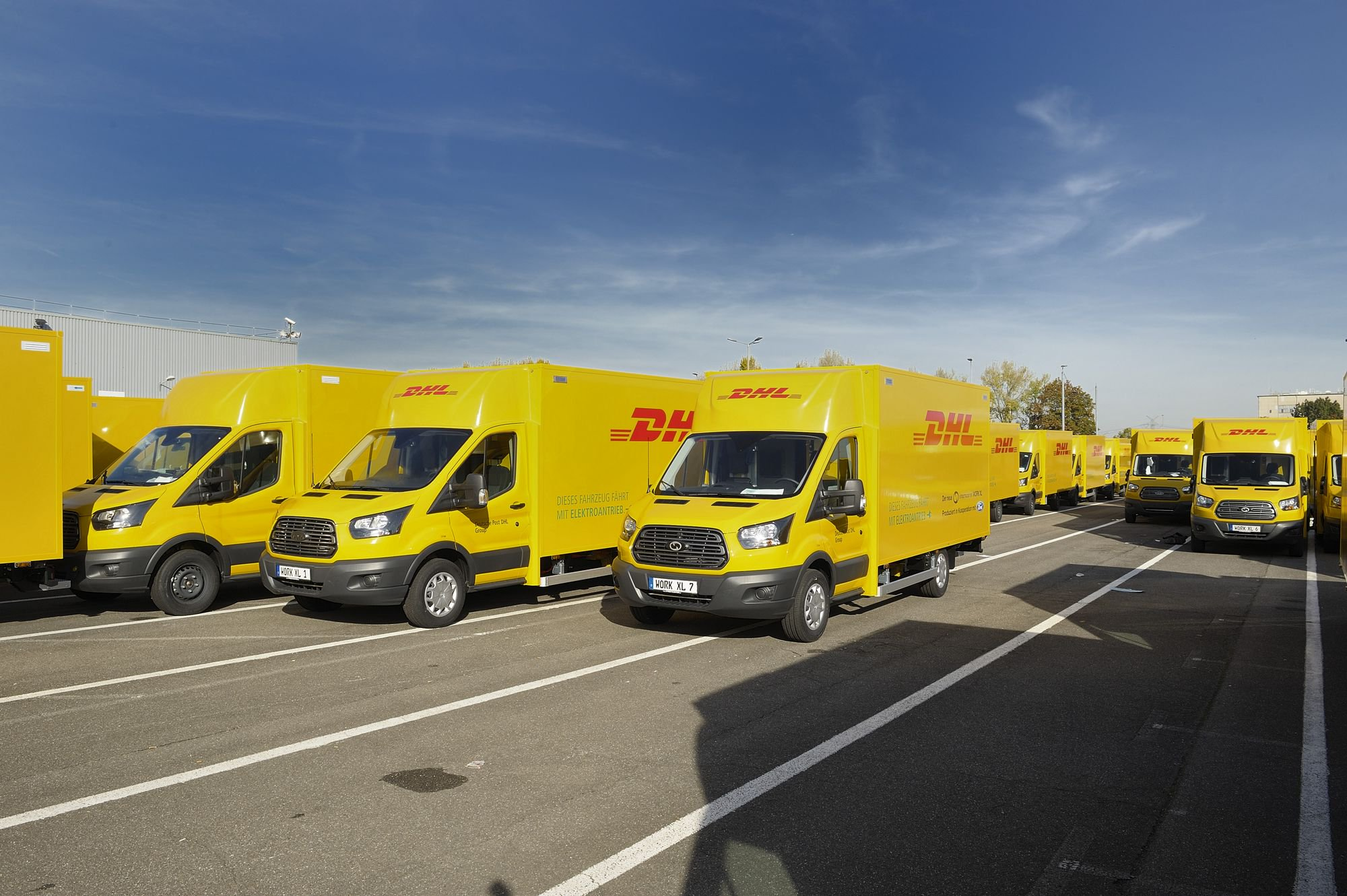 be352904-ford-dhl-streetscooter-2