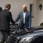 Stílusosan, de humorral köszönt el a BMW a Mercedes vezértől