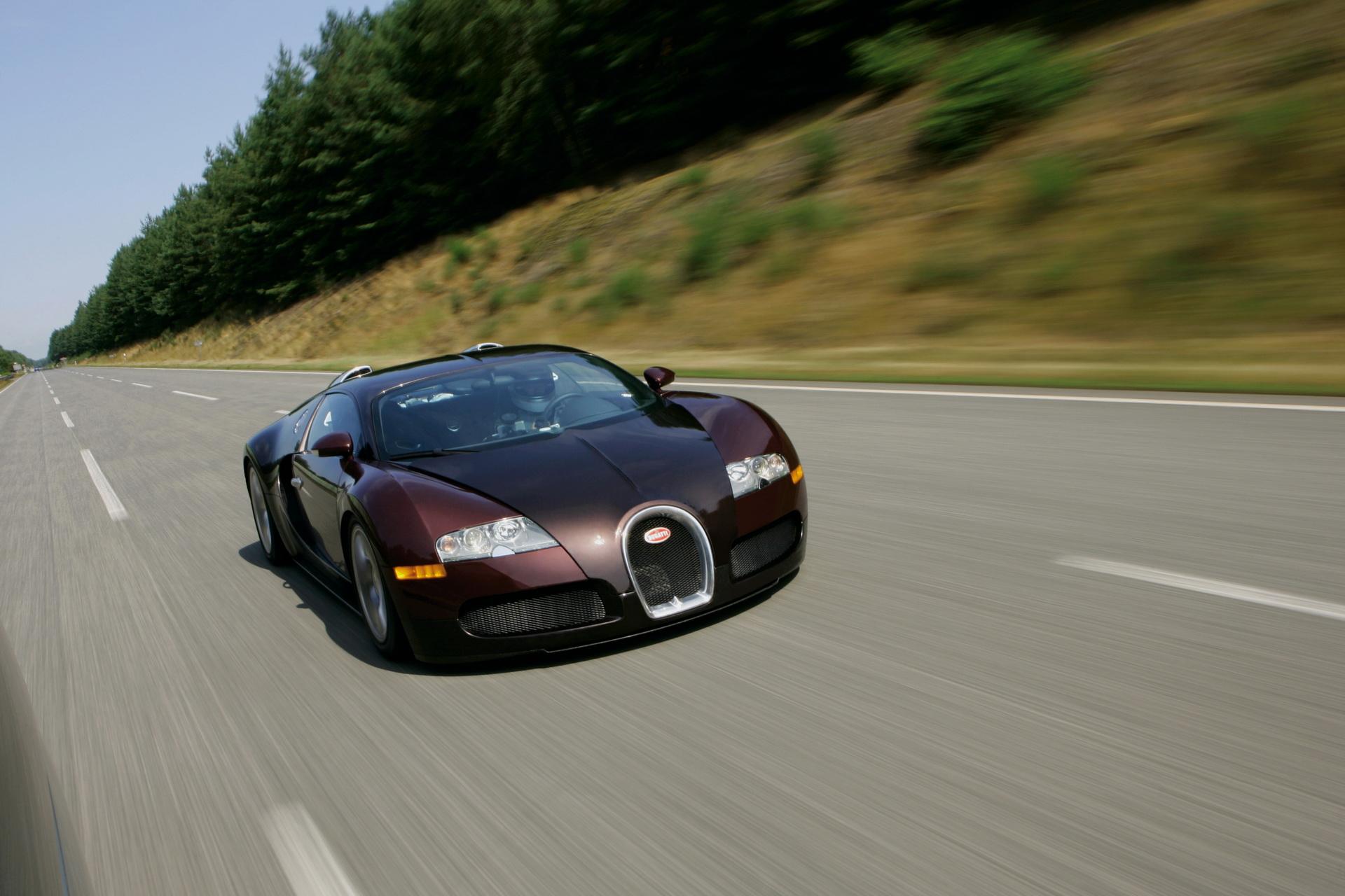 bugatti-veyron-breaks-400-kmh-barrier-landmark-1