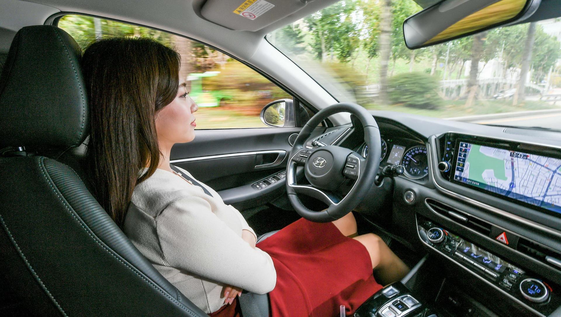 Mesterséges intelligenciával felvértezett adaptív tempomatot fejleszt a Hyundai