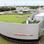 Porsche kereskedés alkalmazottja csalt el vagyonokat Amerikában
