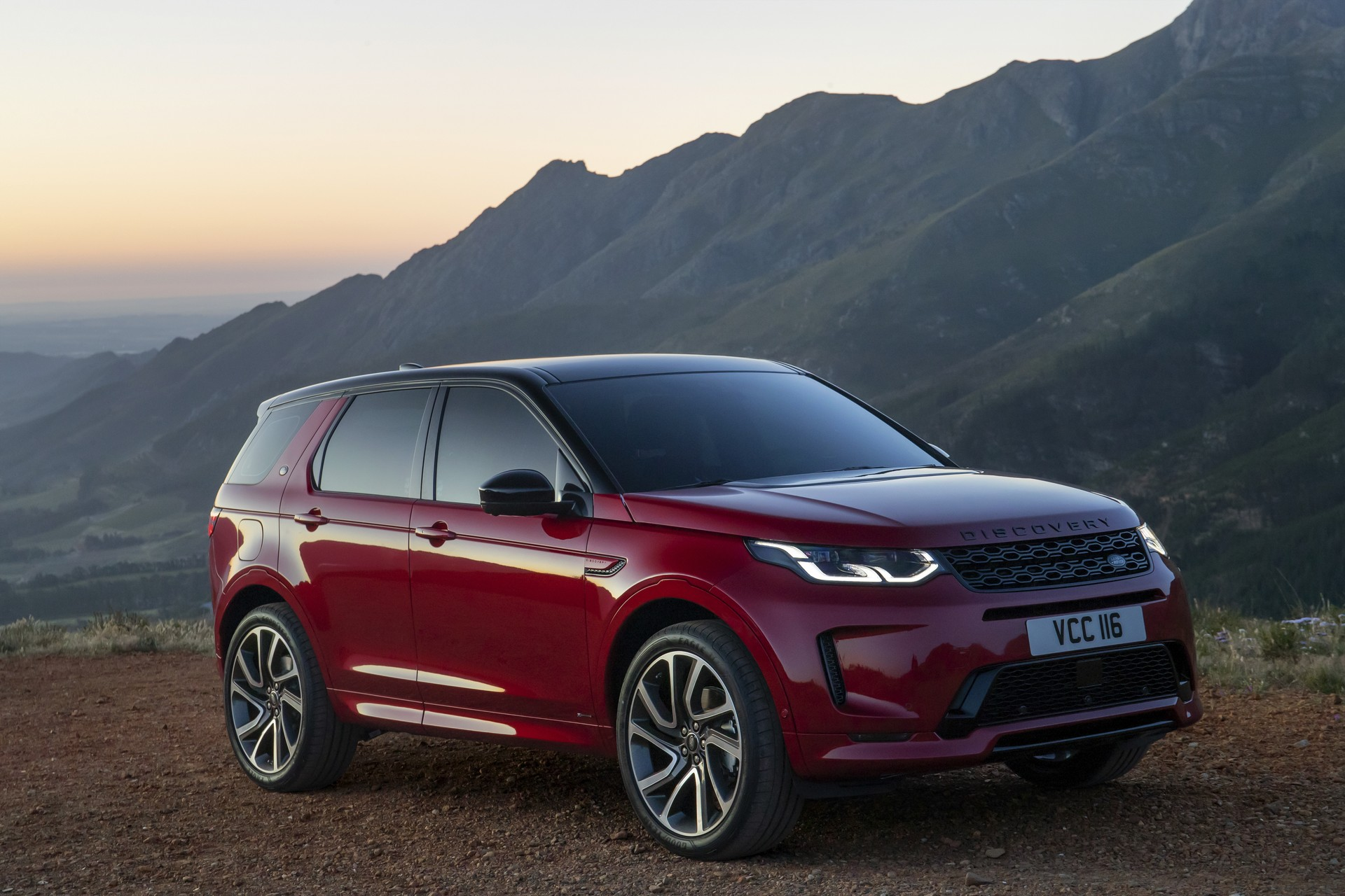 db0e6b86-2020-land-rover-discovery-sport-89