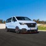 Driftre kihegyezett kisbuszt épített a Hyundai