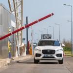 Fizet az útinformációkért a Jaguar-Land Rover