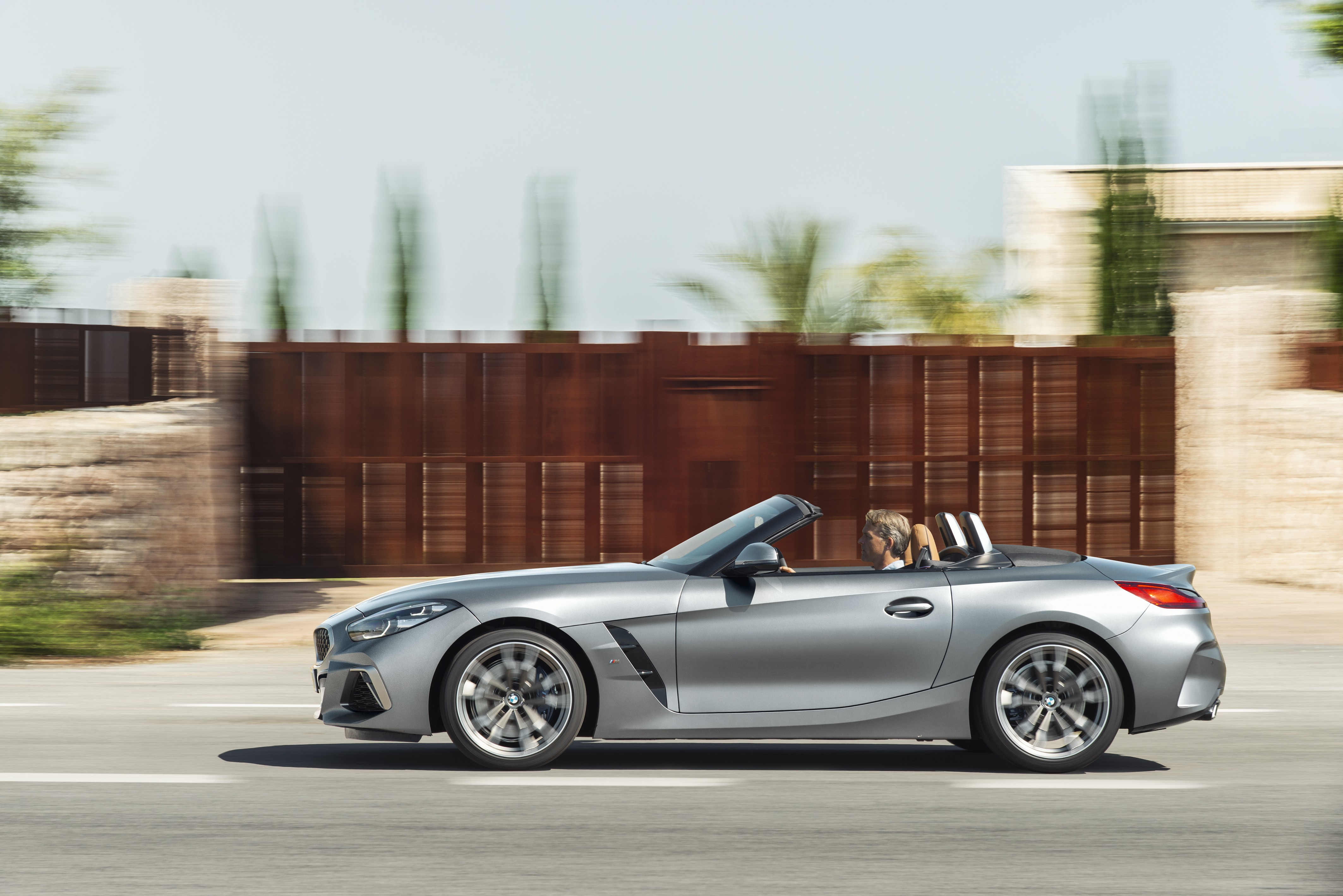 entry-level-bmw-z4-sdrive20i-now-available-with-manual-transmission-134530_1